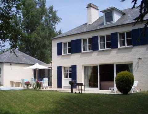 maison_pelouse peb-home